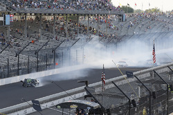 Kurt Busch, Stewart-Haas Racing Ford crash