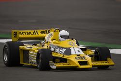 Рене Арну, Renault Sport F1 Team RS01