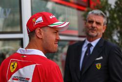 Sebastian Vettel, Ferrari, Maurizio Arrivabene, Ferrari Team Principal