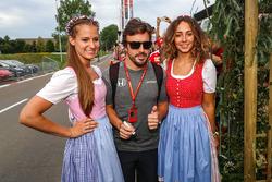 Fernando Alonso, McLaren and girls