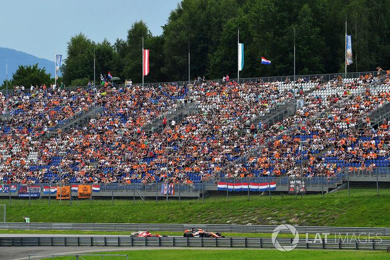 Фернандо Алонсо, McLaren MCL32, Кімі Райкконен, Ferrari SF70H