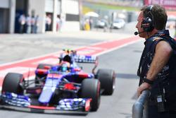 Christian Horner, Red Bull Racing Team Principal and Carlos Sainz Jr., Scuderia Toro Rosso STR12