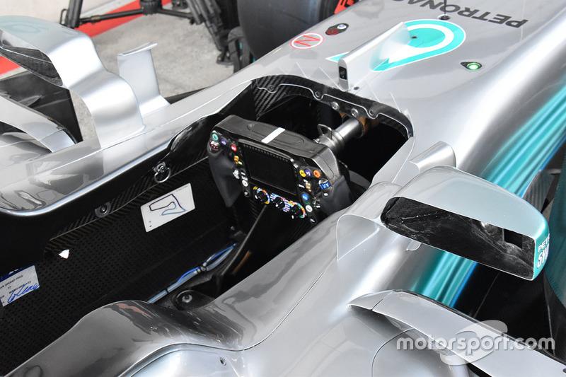 Mercedes AMG F1 F1 W08, dettaglio dell'abitacolo