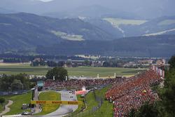 Valtteri Bottas, Mercedes AMG F1 W08, Sebastian Vettel, Ferrari SF70H, Daniel Ricciardo, Red Bull Racing RB13, Kimi Raikkonen, Ferrari SF70H, Romain Grosjean, Haas F1 Team VF-17, Lewis Hamilton, Mercedes AMG F1 W08, Sergio Perez, Sahara Force India F1 VJM1