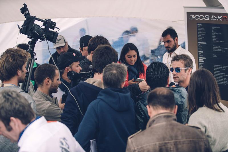 Sebastien Loeb, Peugeot Sport con los medios