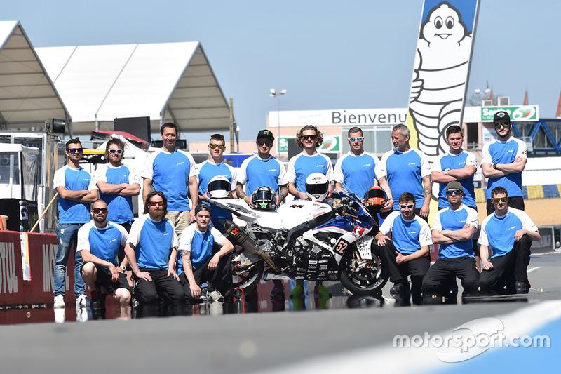Gruppenfoto: #52 BMW