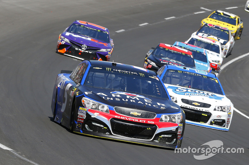 Kasey Kahne, Hendrick Motorsports, Chevrolet; Chris Buescher, JTG Daugherty Racing, Chevrolet