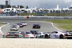 Start zum Rennen, Dreher von #99 Precote Herberth Motorsport, Porsche 911 GT3 R: Robert Renauer, Sven Müller