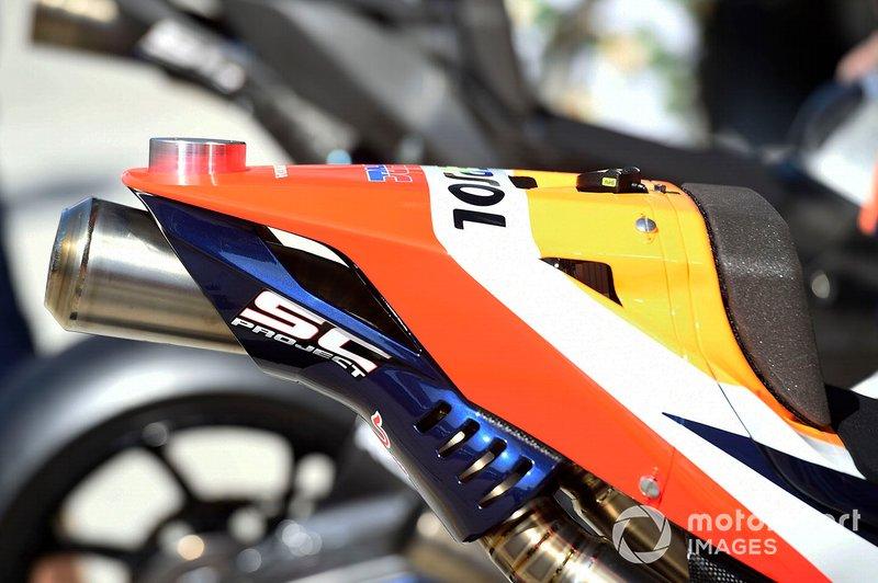 Dettaglio della moto del Team Repsol Honda