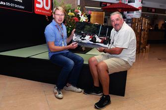 Mika Häkkinen mit Mark Sutton, Fotograf