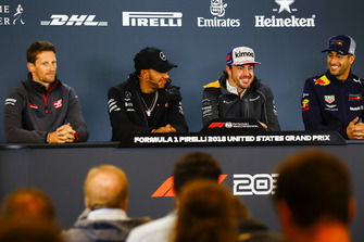 Romain Grosjean, Haas F1 Team, Lewis Hamilton, Mercedes AMG F1, Fernando Alonso, McLaren, and Daniel Ricciardo, Red Bull Racing, in the press conference