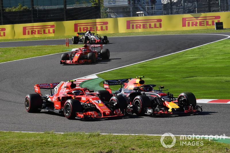 Kimi Raikkonen, Ferrari SF71H et Max Verstappen, Red Bull Racing RB14