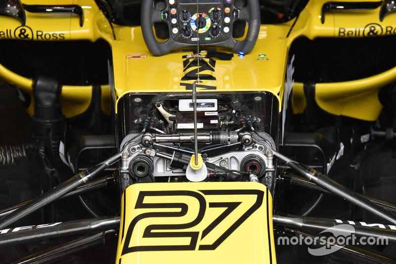 Detail bagian depan Renault Sport F1 Team R.S.18