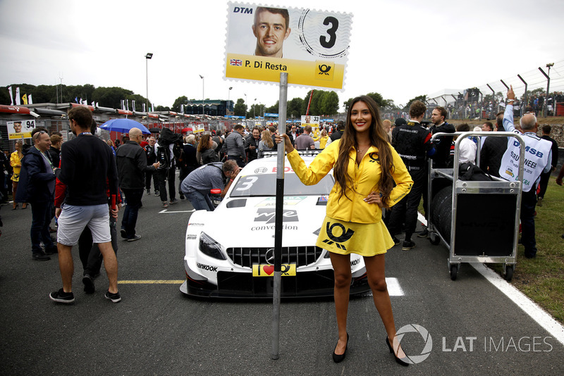 La grid girl di Paul Di Resta, Mercedes-AMG Team HWA