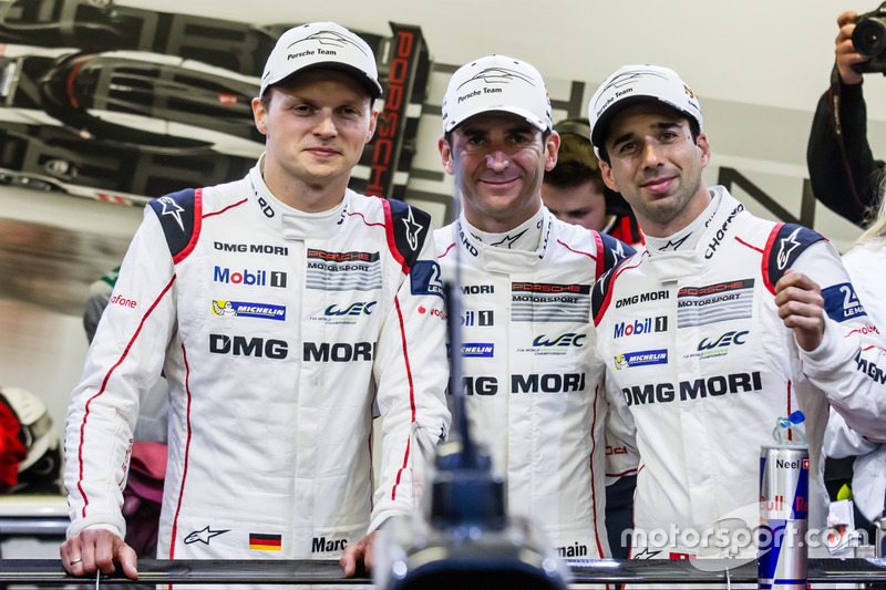 Ganadores de la pole #2 Porsche Team Porsche 919 Hybrid: Romain Dumas, Neel Jani