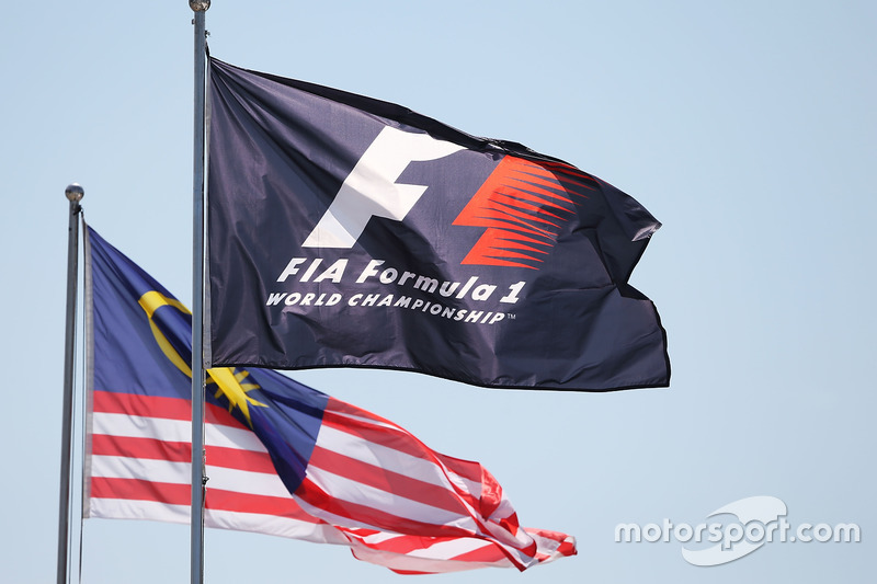 F1 and Malaysian flags