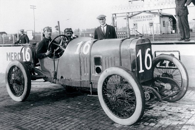Race winner Jules Goux, Peugeot