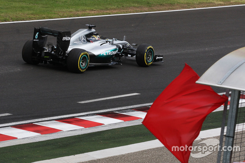 Lewis Hamilton, Mercedes AMG F1 W07 Hybrid heads back to the pits in the second practice session aft