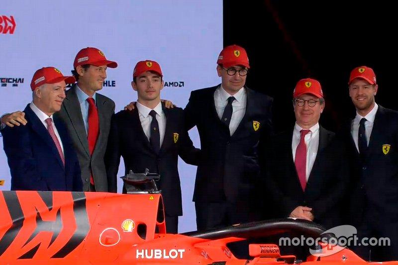 Charles Leclerc, Ferrari, Sebastian Vettel, Ferrari y miembros del equipo Ferrari