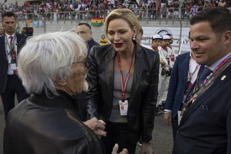 La Princess Charlène de Monaco, Charlene Wittstock, sur la grille avec Bernie Ecclestone