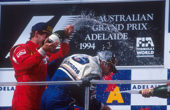 Podio: ganador de la carrera Nigel Mansell, Williams, Gerhard Berger, Ferrari