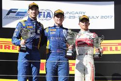 Podium: winnaar Oliver Rowland, DAMS, tweede Nicholas Latifi, DAMS, derde Nyck De Vries, Rapax