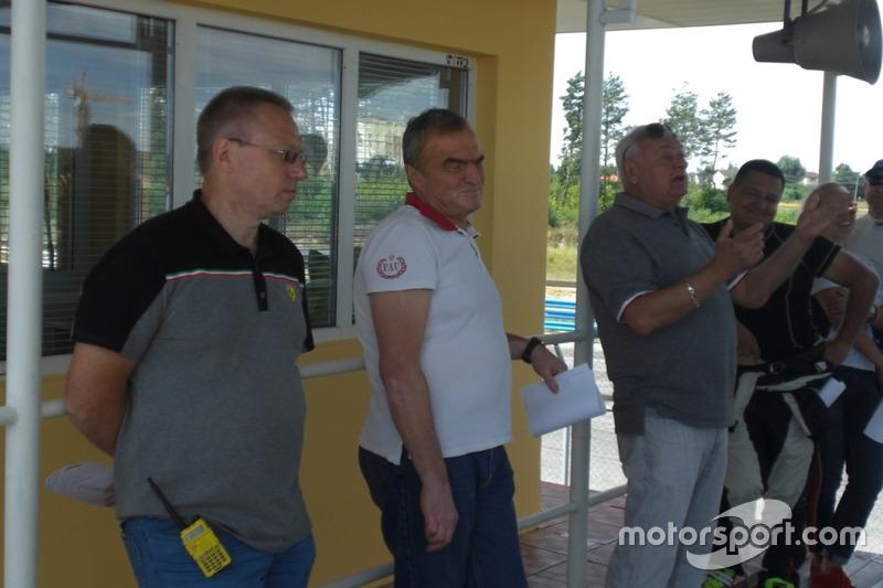 Колишній Директор гонки Олександр Кулаков, голова КСК Олексій Бесєдін, новий Директор гонки Леонід Л