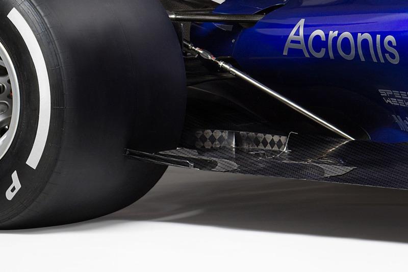Toro Rosso STR12 floor detail
