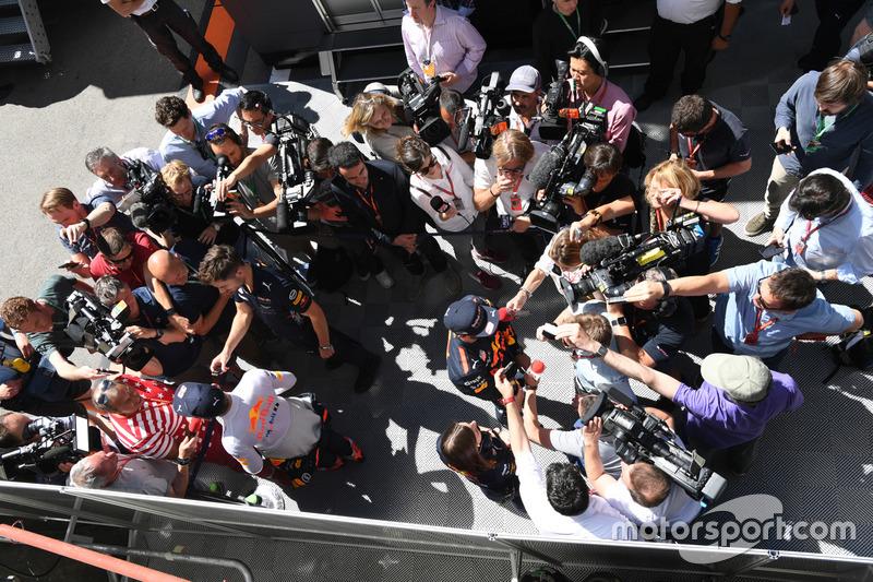 Max Verstappen, Red Bull Racing y Daniel Ricciardo, Red Bull Racing