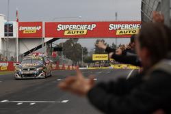 Ganadores David Reynolds, Luke Youlden, Erebus Motorsport Holden