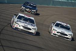Trevor Bayne, Roush Fenway Racing Ford, Dylan Lupton, BK Racing Toyota