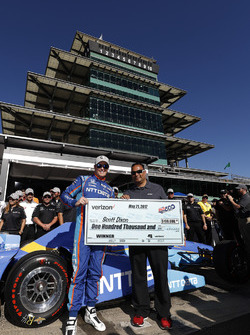 Polesitter Scott Dixon, Chip Ganassi Racing Honda
