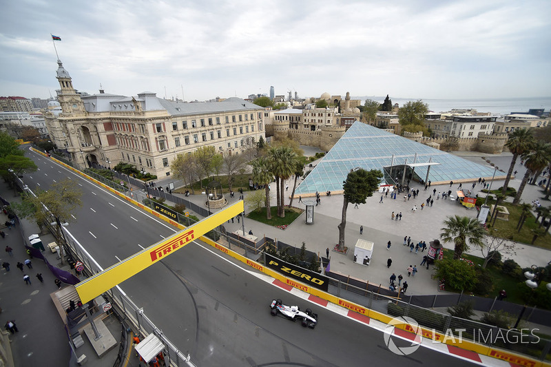 11: Sergey Sirotkin, Williams FW41, 1'43.886