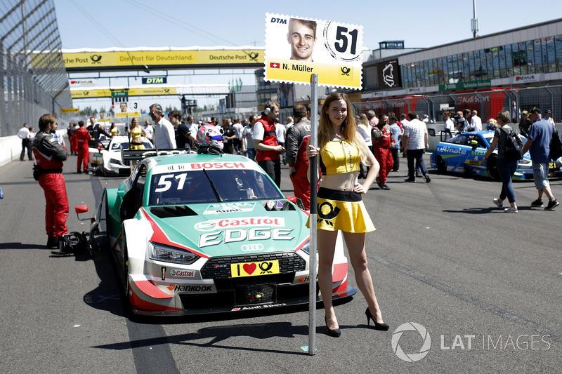 La grid girl di Nico Müller, Audi Sport Team Abt Sportsline