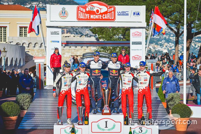 Подиум: победители Себастьен Ожье и Жюльен Инграссиа, M-Sport Ford, второе место – Отт Тянак и Мартин Ярвеоя, третье место – Яри-Матти Латвала и Миикка Анттила, Toyota Gazoo Racing WRC