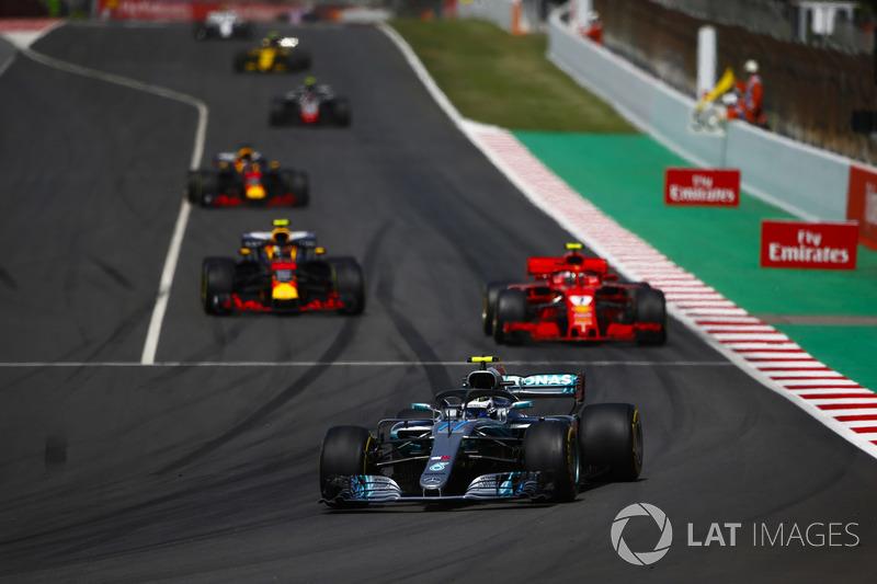 Valtteri Bottas, Mercedes AMG F1 W09, Kimi Raikkonen, Ferrari SF71H, Max Verstappen, Red Bull Racing RB14 e Daniel Ricciardo, Red Bull Racing RB14