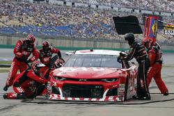 Austin Dillon, Richard Childress Racing, Chevrolet Camaro AAA pit stop