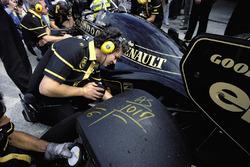 Marcas en el neumático trasero de Ayrton Senna, Lotus 98T Renault