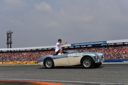 Stoffel Vandoorne, McLaren,, on the drivers parade