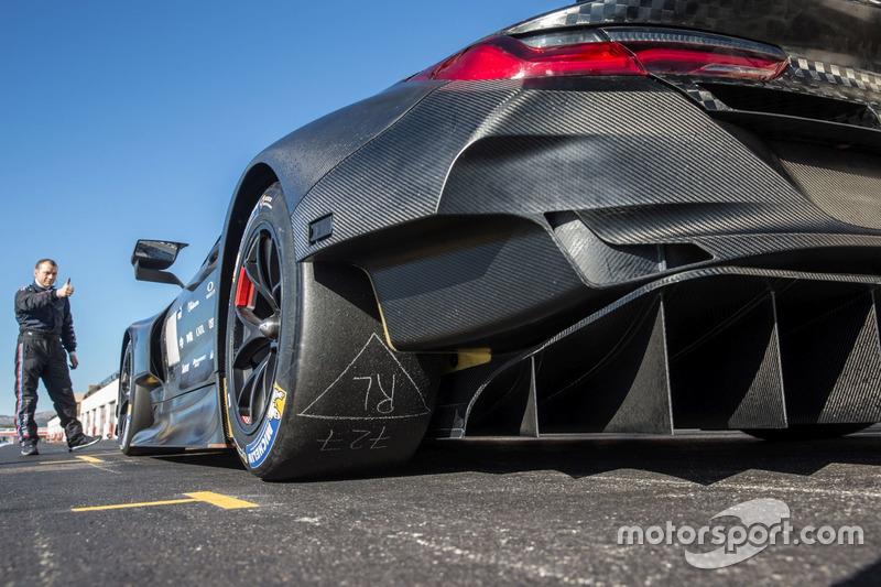 Тести BMW M8 GTE