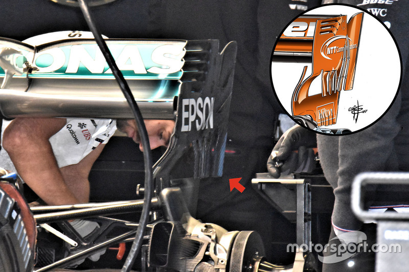 Заднє антикрило Mercedes AMG F1 W09