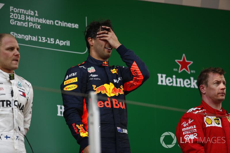 Переможець Даніель Ріккардо, Red Bull Racing, Валттері Боттас, Mercedes-AMG F1, Кімі Райкконен, Ferrari