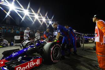 Brendon Hartley, Toro Rosso STR13, arriva in griglia di partenza