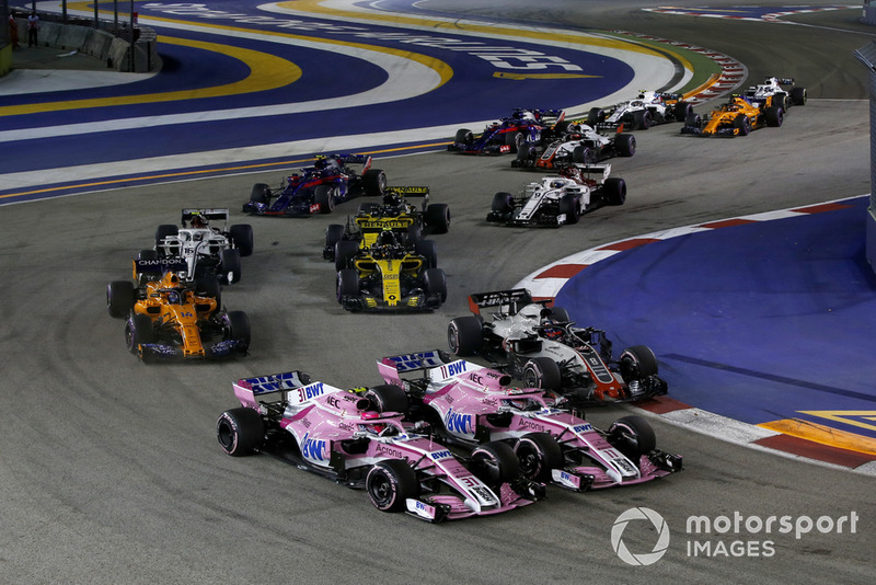 Esteban Ocon, Racing Point Force India VJM11, Sergio Perez, Racing Point Force India VJM11