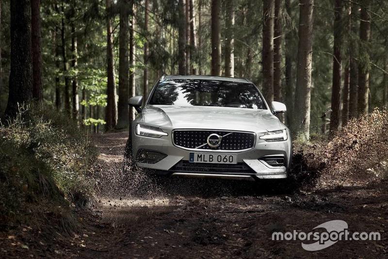 Volvo V60 Cross Country 2019 року