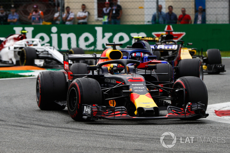 Daniel Ricciardo, Red Bull Racing RB14, Pierre Gasly, Toro Rosso STR13, Nico Hulkenberg, Renault Sport F1 Team R.S. 18, y Charles Leclerc, Sauber C37