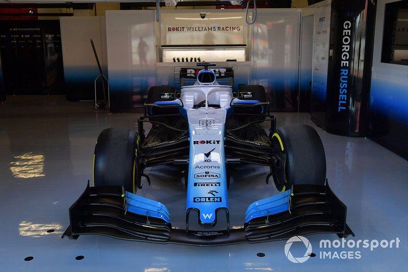 La Williams FW42 dans le garage Williams Racing