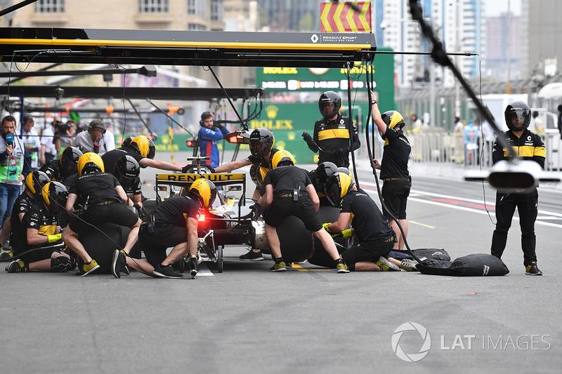 Carlos Sainz Jr também treinou pits top