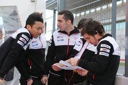 Sébastien Buemi, Fernando Alonso, Kazuki Nakajima, Toyota Gazoo Racing