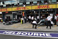 Lewis Hamilton, Mercedes-AMG F1 W09 et Valtteri Bottas, Mercedes-AMG F1 W09